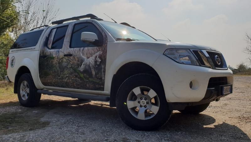 Noleggio furgoni trasporto cani – Nissan Navara_5